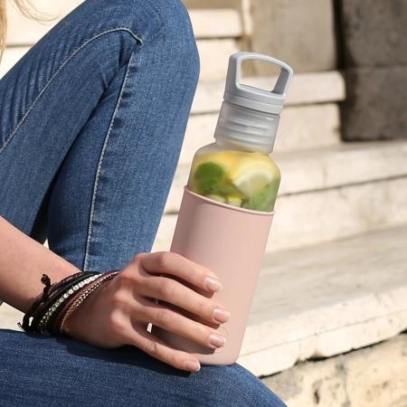 【美國 HYDY】  【春夏新品】輕靚水瓶   霧白-拿鐵 590ML (內附有泡茶器)