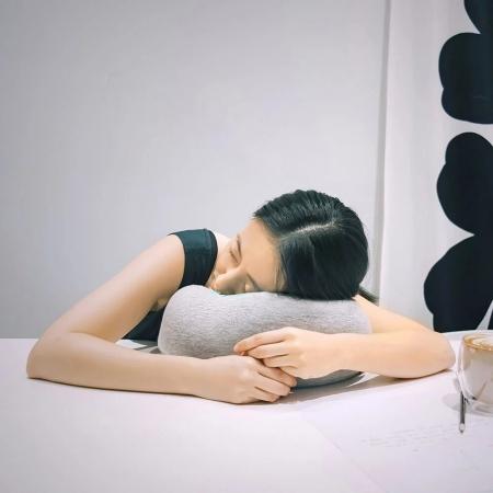 【都市之森】花卷-旅行頸枕/午睡枕(花灰)